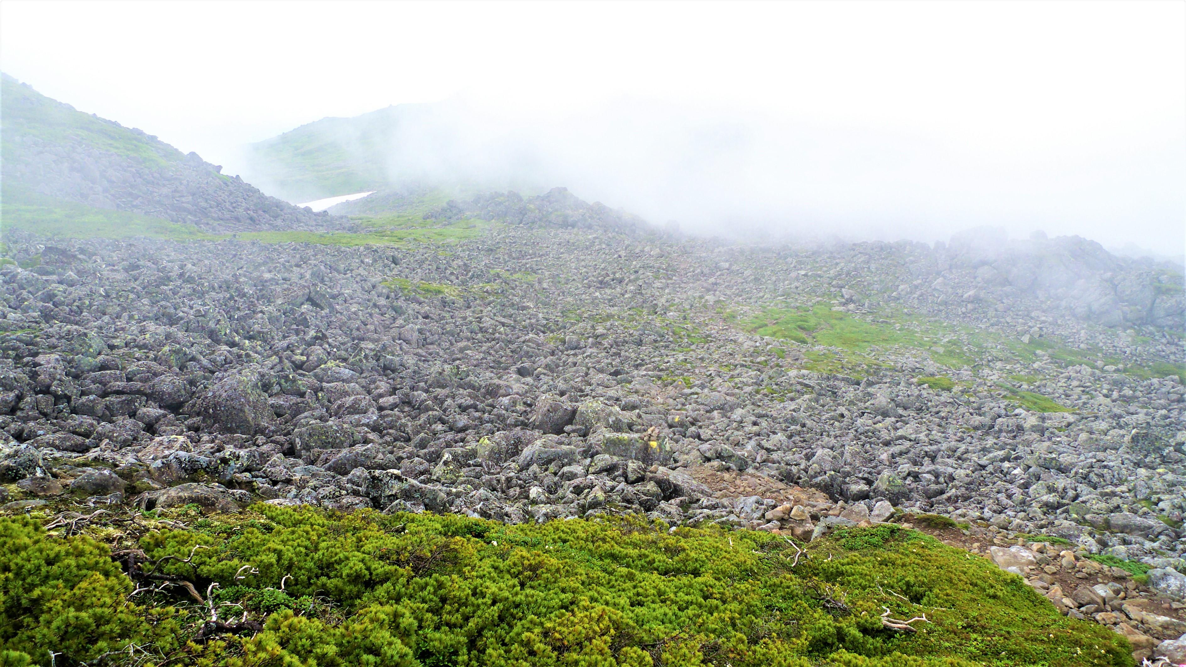 Mount_Tomuraushi_Rock_Garden